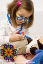 Отвлекающие процедуры: использование калейдоскопа для снижения восприятия боли при проведении венепункции у детей.